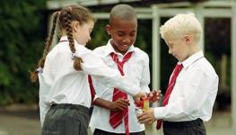 children-sharing-sweets