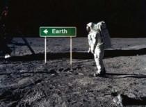 Astronaut-Earth-sign1-300x221
