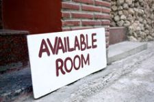 available-room-sign-board-38173736